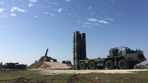 Tên lửa Nga S-400 đã triển khai ở Syria - Sputnik Việt Nam