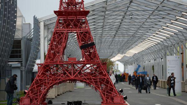 Bản sao tháp Eiffel ở Hội nghị thượng đỉnh về biến đổi khí hậu COP21 tại Paris - Sputnik Việt Nam