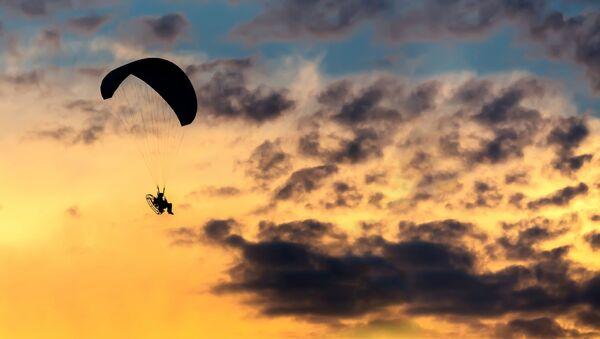 Dù lượn trên bầu trời - Sputnik Việt Nam