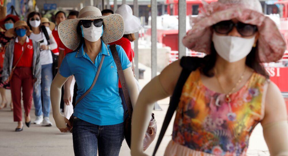 Khách du lịch Việt Nam
