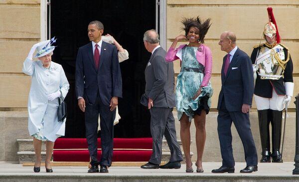 Nữ hoàng Elizabeth II của Vương quốc Anh, Tổng thống Hoa Kỳ Barack Obama, Đệ nhất phu nhân Hoa Kỳ Michelle Obama và Hoàng tử Philip, Công tước xứ Edinburgh tại Cung điện Buckingham, 2011 - Sputnik Việt Nam