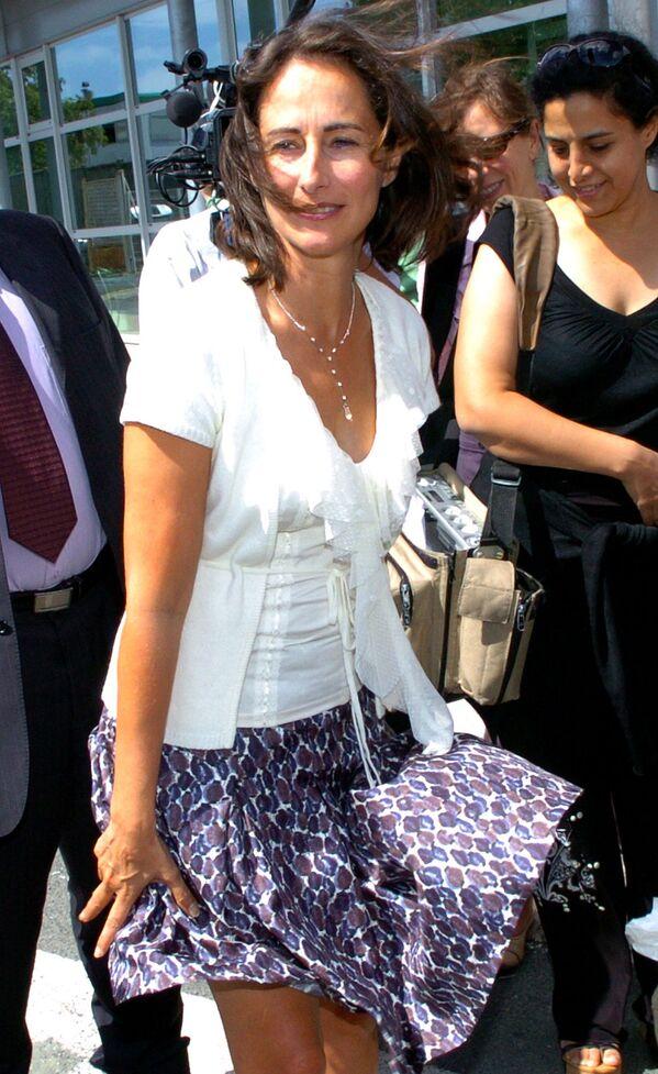 Chính trị gia người Pháp Segolene Royal vào một ngày đầy gió ở Pháp, 2006 - Sputnik Việt Nam