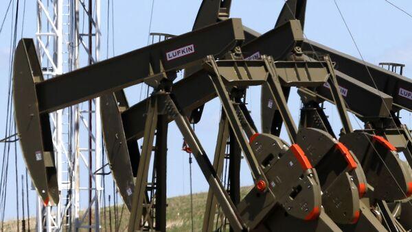 Khai thác dầu mỏ tại bang Bắc Dakota, Hoa Kỳ  - Sputnik Việt Nam