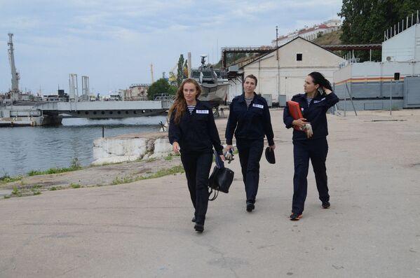Thủy thủ đoàn nữ trong Hạm đội Biển Đen của Liên bang Nga - Sputnik Việt Nam