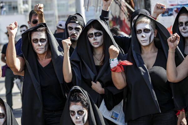 Người biểu tình ở Beirut, Liban - Sputnik Việt Nam