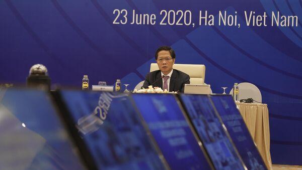 Bộ trưởng Bộ Công Thương Trần Tuấn Anh chủ trì Hội nghị trực tuyến Bộ trưởng RCEP giữa kỳ lần thứ 10.  - Sputnik Việt Nam