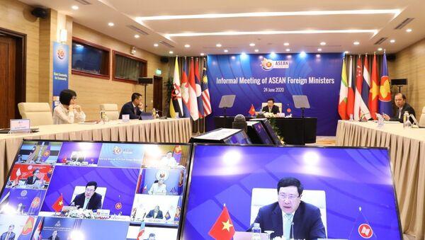 Phó Thủ tướng, Bộ trưởng Bộ Ngoại giao Phạm Bình Minh chủ trì Hội nghị không chính thức Bộ trưởng Ngoại giao ASEAN. - Sputnik Việt Nam