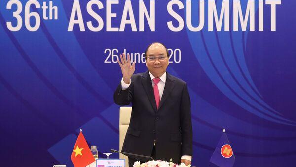 Thủ tướng Nguyễn Xuân Phúc, Chủ tịch ASEAN 2020 phát biểu tại Lễ khai mạc Hội nghị Cấp cao ASEAN lần thứ 36. - Sputnik Việt Nam