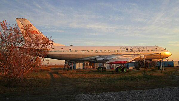 Máy bay Tu-104, được Maria Karmanova phục chế. - Sputnik Việt Nam