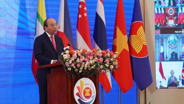 Thủ tướng Nguyễn Xuân Phúc, Chủ tịch ASEAN 2020 phát biểu khai mạc Hội nghị Cấp cao ASEAN lần thứ 36 - Sputnik Việt Nam