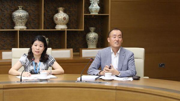 Tiến sĩ Kidong Park - Trưởng đại diện Tổ chức Y tế thế giới tại Việt Nam phát biểu tại cuộc họp. - Sputnik Việt Nam