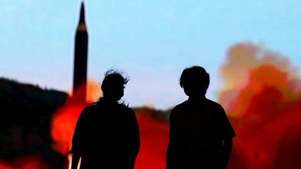 Phóng tên lửa. - Sputnik Việt Nam