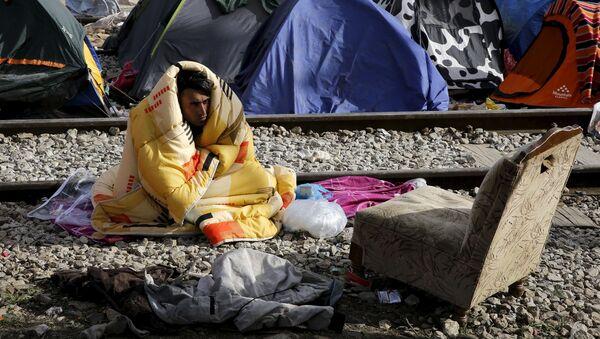 Người tị nạn từ Pakistan trong một trại tạm gần biên giới Hy Lạp-Macedonian - Sputnik Việt Nam