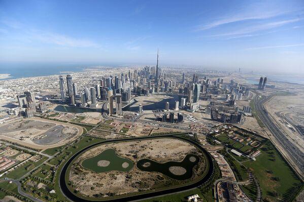 Tòa tháp cao nhất thế giới Burdj-Khalifa ở Dubai, Các Tiểu vương quốc Ả Rập thống nhất (UAE) - Sputnik Việt Nam