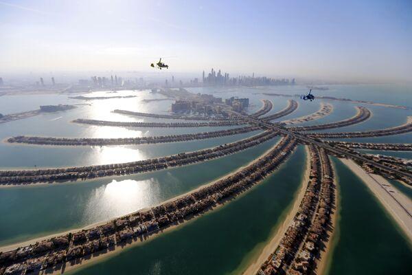 Tàu lượn trên bầu trời thủ đô Dubai, Các Tiểu vương quốc Ả Rập thống nhất (UAE) - Sputnik Việt Nam