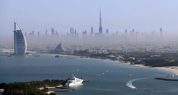 Cảnh trên tòa tháp cao nhất thế giới Burdj-Khalifa ở Dubai, Các Tiểu vương quốc Ả Rập thống nhất (UAE) - Sputnik Việt Nam