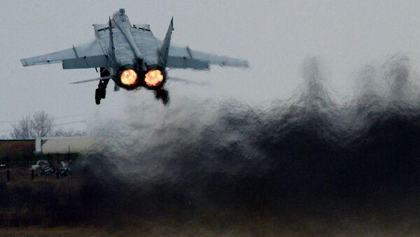 Tiêm kích MiG-31 cất cánh trong cuộc thao diễn bay-chiến thuật ở vùng Primorye - Sputnik Việt Nam