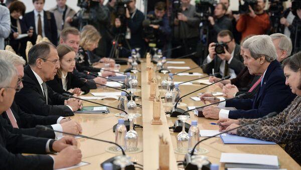 Sergey Lavrov và John Kerry - Sputnik Việt Nam
