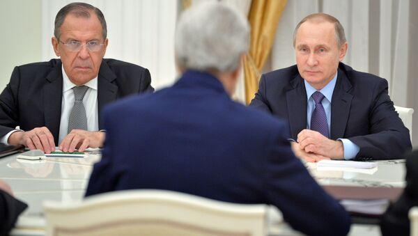 John Kerry và Vladimir Putin - Sputnik Việt Nam