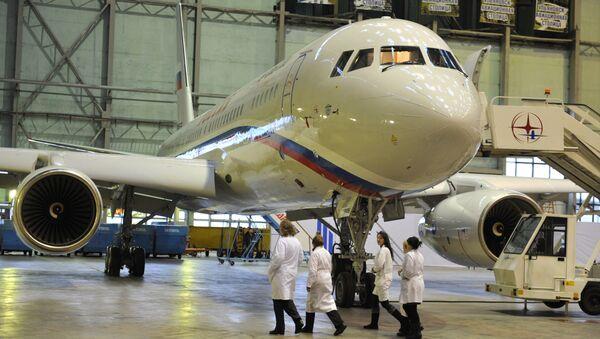 Máy bay Tu-204-300 - Sputnik Việt Nam