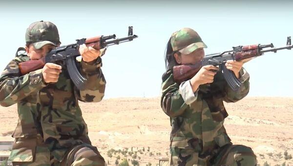 Tiểu đoàn phụ nữ Syria tập luyện để tiêu diệt IS - Sputnik Việt Nam